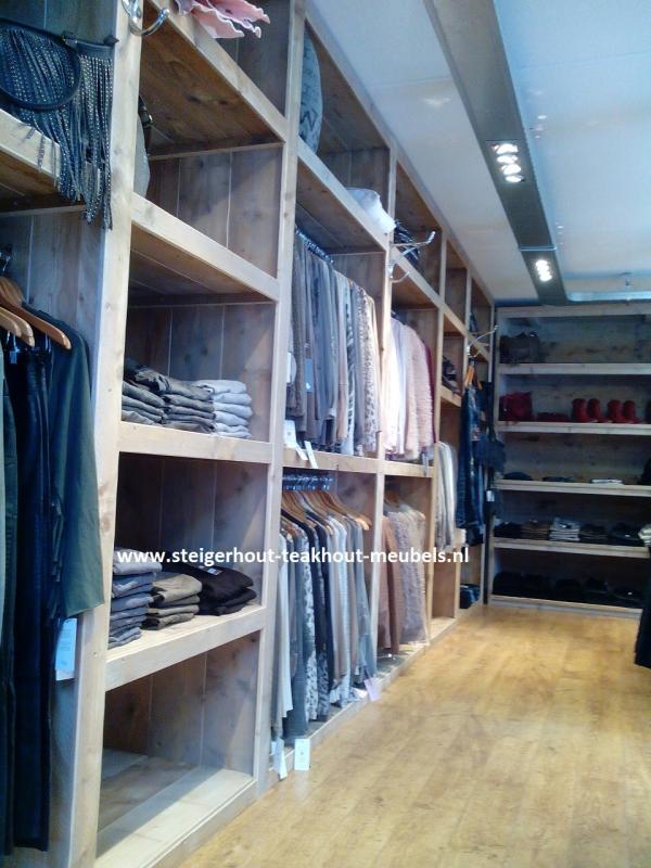 Wandkast Voor Kleding.Steigerhout Winkel Inrichting Steigerhout Teakhout Meubels Blog